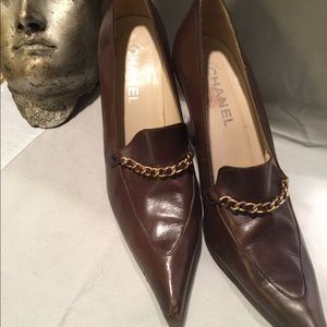 Chanel leather brown Heels with gold chain